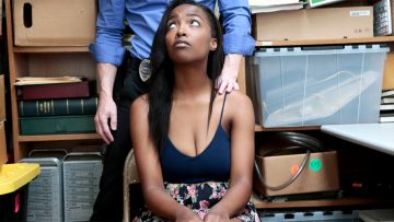 Ebony shoplyfter teen Daya Knight