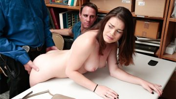 Veronica Vegas learns not to shoplyft