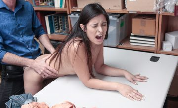Jasmine Gomez fucked in office