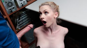 Shoplyfting is a real turn on for Athena Rayne