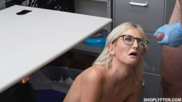 Tallie Lorian jizzed with sperm over her glasses